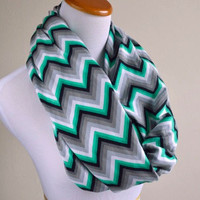 Emerald chevron infinity - Green and Black scarf