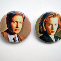 "The X Files - Fox Mulder & Dana Scully 2x1.5"" pinback button badge set from Stickerama"
