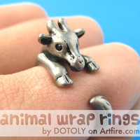 Baby Giraffe Animal Wrap Around Ring in Silver Sizes 4 to 9 | DOTOLY