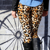 Thrill Of The Chase {Leggings} - ONE-SIZE