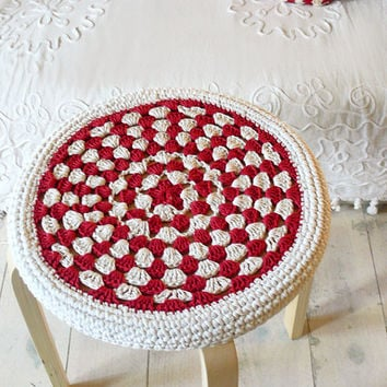 Crochet Stool Cover - red and ecru