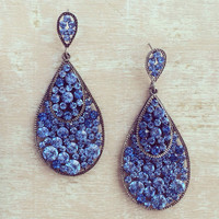 MIDNIGHT DREAMING EARRINGS