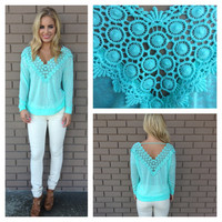 Mint V-Neck & Back Light Knit Top