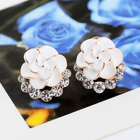 Camellia stud earrings k