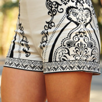 Take Me Back Shorts: Cream/Black | Hope's