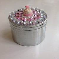 Cupcake Jeweled Herb Grinder