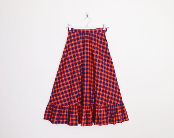 navy blue plaid skirt 70s high from trashy vintage