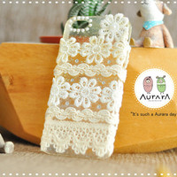 apple iphone case with white sweet doilies and little jewelry