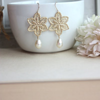 Matte Gold Plated Snowflake Lace Filigree Earrings, Swarovski Ivory Pearl. Bridal Earrings. Wedding Gift. Bridesmaids Gift.