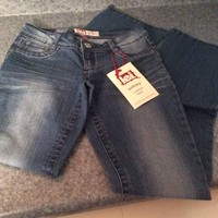 Brand New L.E.I. Jeans low rise boot size 3