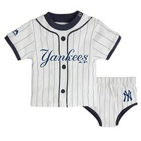 Majestic New York Yankees Little Player Tee & Diaper Cover Set - Baby