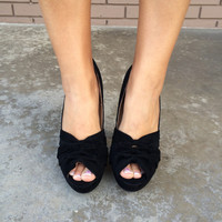 Black Honeycomb Velvet Heels