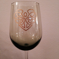 Celtic Heart Green wine glass