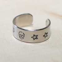 Adjustable ring in aluminum with Skull and Stars