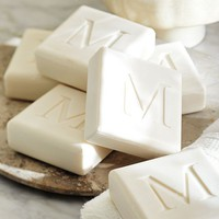 MONOGRAMMED SQUARE PAPERWHITE SOAP SET