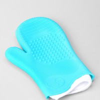 Sigma Beauty Spa Brush Cleaning Glove - Urban Outfitters