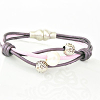 Pink and purple leather with pearl and zamak bracelet