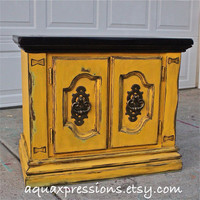 Yellow Night Stand/ Retro End Table/ Vintage Side Table/ Accent TV Cabinet/ Living Room Storage/ Bedroom Side Table