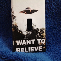 """Light Switch Cover - X-Files """"I want to believe"""" single light switch plate home decor"""