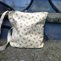 Simplistic tote bag vintage floral pattern roomy by AnotherLove