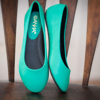 Shoes 4U Las Vegas - High Fashion, Chic, Fabulous, Fashionista, Flats & Sneakers, Boots, Flats, Sneakers, Heels, Wedges, Sandals, accessories, chains, necklaces, rings at a affordable price.   Page 2