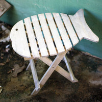 Portable Driftwood Fish Accent Table