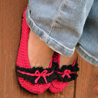 Bows and ruffles crochet slipper booties, shoes, socks in fuchsia and black