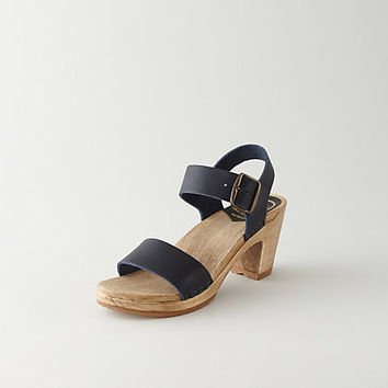 TWO STRAP CLOG SANDAL