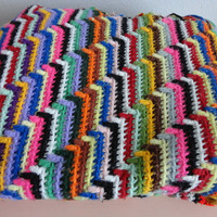 VINTAGE COLORFUL crocheted AFGHAN - 46 x 75 inches