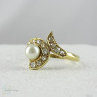 Antique Pearl and Diamond Free Form Engagement Ring. Old Diamonds in Yellow Gold, 1900s.