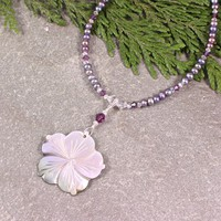 Black Shell Flower Freshwater Pearl Swarovski Crystal Pendant Necklace