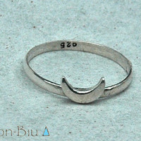 Crescent Moon Sterling Silver Ring ▲DON ⊕ BIU▲