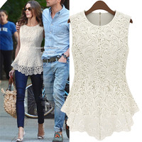 5656Sleeveless lace blouse