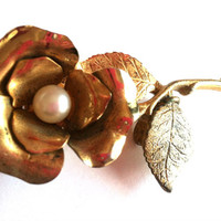 Vintage Gold Tone Rose Brooch with Pearl Accent