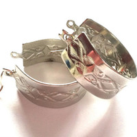 Vintage Women's Silver Tone Hoop Earrings