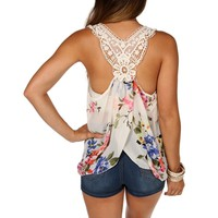 loral Crochet Back