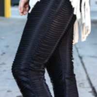 Carrie's Closet - Textured Leggings in Ivory or Black