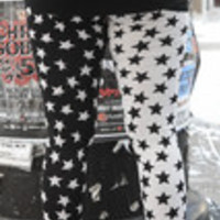 Carrie's Closet - White and Black Star Leggings