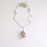 Bright glass pendant