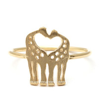 girlsluv.it - giraffe ring