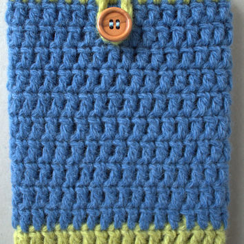 Cozy for Kindle, crocheted and slightly felted, wool yarn and wooden button, blue and green colors