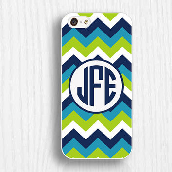 green chevron iphone 5s cases,monogrammed iphone 5c case, iphone4s case,  iphone 5 case,iphone 4 case,personal gifts d043