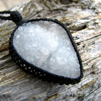 Quartz Druzy Necklace / April Birthstone/ Sparkly / Crystal / Unique / Boho - Chic / Healing gemstones and crystals / Crystal jewelry / Snow