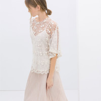 EMBROIDERED TOP WITH KIMONO SLEEVES
