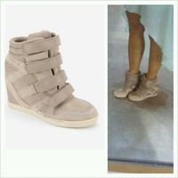 High-Top Wedge-Sneaker — Bib + Tuck