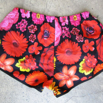 ROJAS roses and red flowers short sping summer floral reds shorts daisy floral flower