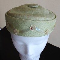Vintage Hat  light green pillboxl beautiful by purrfectstitchers