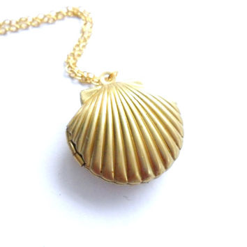 Sea Shell Locket, Mermaid Necklace, Beach Locket, Gold Tone Brass, Little Shell Locket, Nautical Jewelry, Gift Wrap