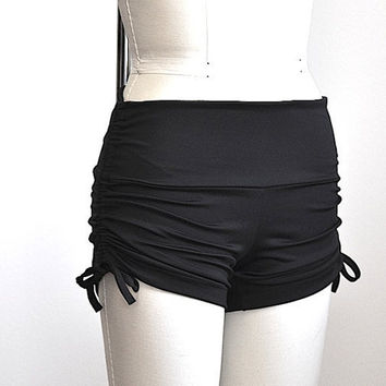 SXY FITNESS Black Hot Yoga Shorts Item 4173 by graziolin on Etsy
