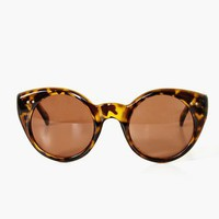 Weekend Shades - Tortoise  in  Clothes at Nasty Gal